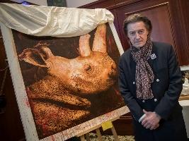Aukce obrazu vynesla přes 15 tisíc euro na záchranu severních bílých nosorožců