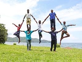 Dvouměsíční festival Africké léto zahájí akrobaté z Rwandy. Foto (c) Michal Sikora