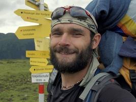 Šestnáctitisícikilometrovej vejšlap, vyprávění Petra Hirsche