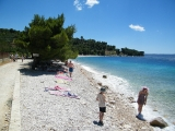 Tučepi - začátek nudistické pláže mezi Tučepi a Podgorou
