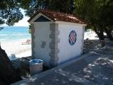 Převlékárna na pláži v Tučepi