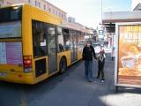 Autobusová zastávka.