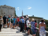 Skokan na Starem mostu v Mostaru
