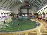 Vnitřní bazén - termální koupaliště ve Velkém Mederu